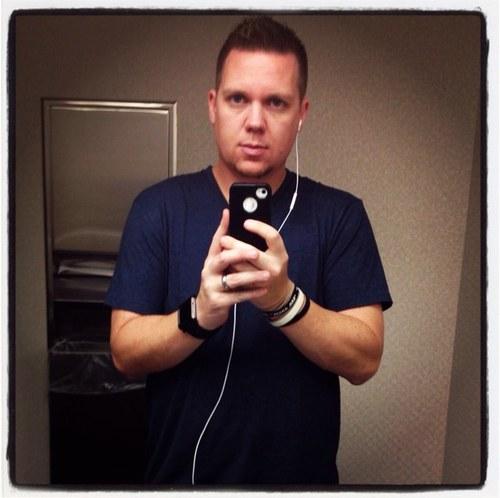 briantudor selfie profile pic